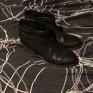Clark boots size 9.5